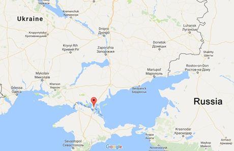 Nga noi Ukraine bat coc binh si, yeu cau tha nguoi - Anh 1