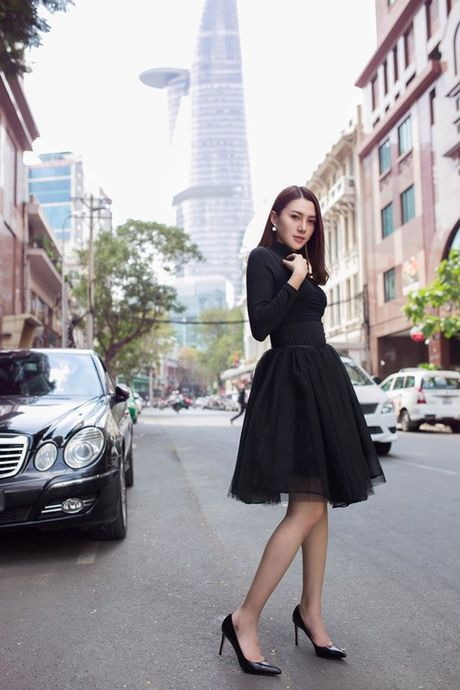 Phuong Anh - Le Ha - Kim Chi: Ai dep hon voi street style thu dong tren pho? - Anh 5
