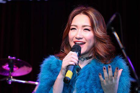 Hoa Minzy thua nhan Cong Phuong la nguoi chu dong noi loi chia tay - Anh 1