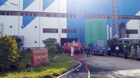 Quang Ninh: Chay phong ac quy, 2 to may Nhiet dien Cam Pha te liet - Anh 3