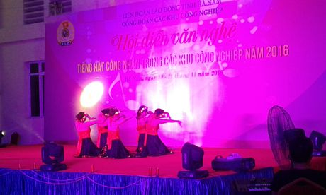 CD cac KCN tinh Ha Nam: To chuc Hoi dien van nghe 'Tieng hat cong nhan nam 2016' - Anh 2