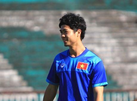 Chuan bi gap Malaysia, Cong Phuong 'cuoi tha phanh' - Anh 1