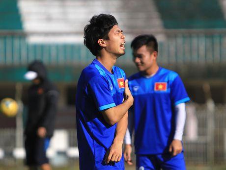 Chuan bi gap Malaysia, Cong Phuong 'cuoi tha phanh' - Anh 4