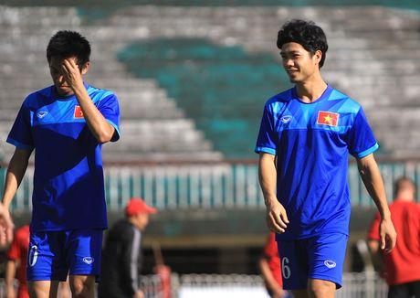 Chuan bi gap Malaysia, Cong Phuong 'cuoi tha phanh' - Anh 6