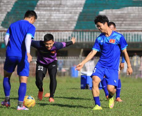 Chuan bi gap Malaysia, Cong Phuong 'cuoi tha phanh' - Anh 7