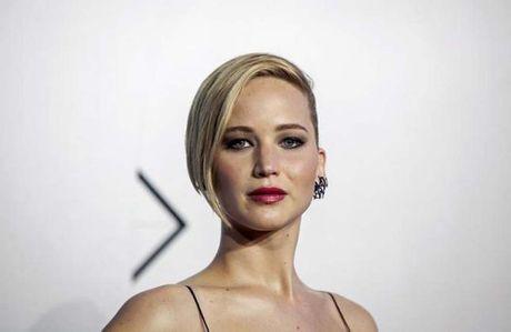 Jennifer Lawrence het loi khen ban trai dao dien noi tieng - Anh 1