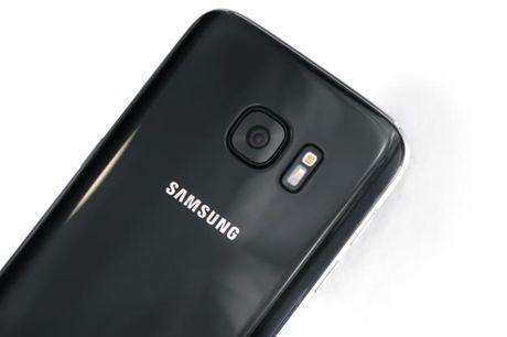 Galaxy S7 cung sap ban ra mau 'Jet Black' giong het iPhone 7 - Anh 1