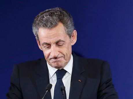 Cuu Tong thong Phap Sarkozy bi loai khoi cuoc dua tong thong 2017 - Anh 1