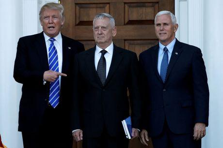 Trump tuyen quan chuc: Kich tinh nhu truyen hinh thuc te - Anh 1