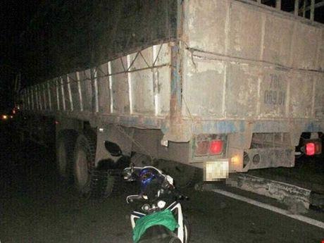 Dieu tra vu nghi trao 4 lop xe khi bi CSGT 'giam' - Anh 1