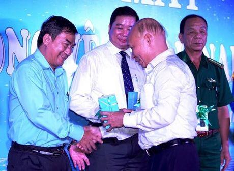 VNPT khai truong dich vu di dong ve tinh Vinaphone-S tai Ca Mau - Anh 3