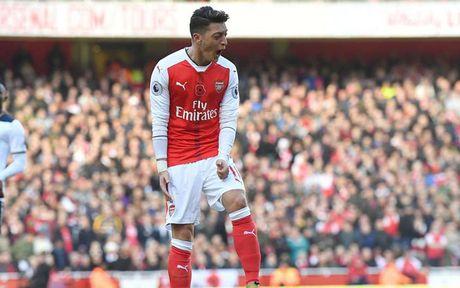 Doi hinh ket hop giau suc tan cong giua Arsenal voi PSG - Anh 9