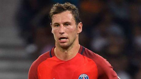 De cu doi hinh hay nhat nam cua UEFA: Messi, Ronaldo dan dat hang cong - Anh 12