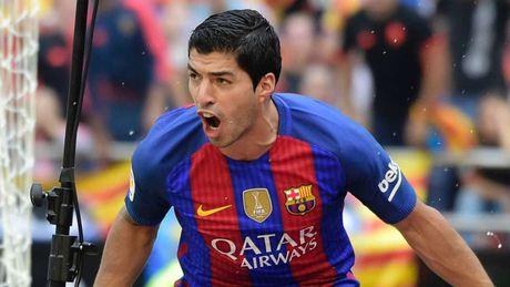 De cu doi hinh hay nhat nam cua UEFA: Messi, Ronaldo dan dat hang cong - Anh 4