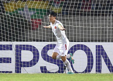 Tuyen thu Malaysia danh gia cao Le Cong Vinh, lo ngai Van Quyet - Anh 1