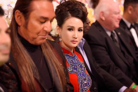 Britney Chau Nguyen dang quang Hoa hau quy ba chau A tai My - Anh 5