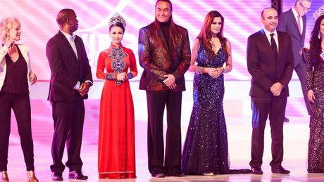 Britney Chau Nguyen dang quang Hoa hau quy ba chau A tai My - Anh 7