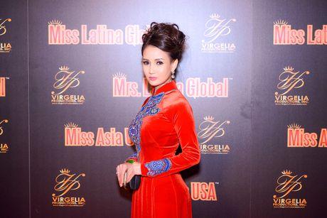 Britney Chau Nguyen dang quang Hoa hau quy ba chau A tai My - Anh 8