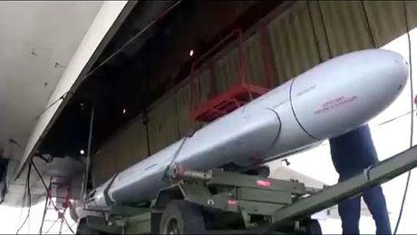 Uy luc sieu ten lua Kh-101 Nga khien phuong Tay khiep so - Anh 2