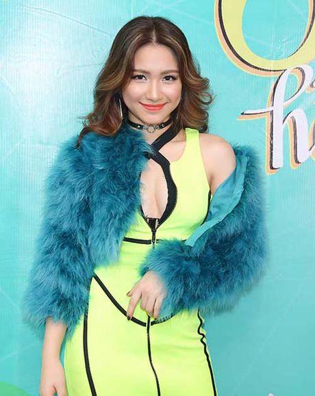Hoa Minzy 'noi loan', sexy sau thua nhan bi Cong Phuong bo roi - Anh 2