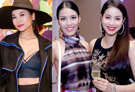 Son Tung chung san khau voi 4 co gai sexy nhat K-Pop - Anh 3