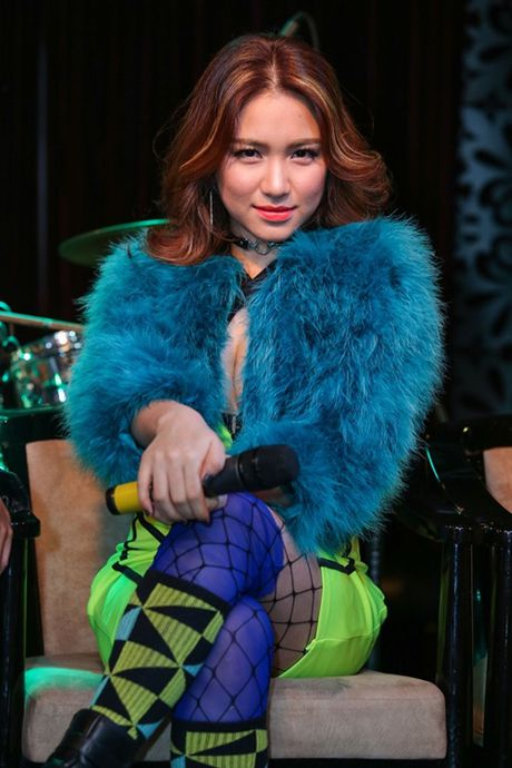 Hoa Minzy: 'Truoc day toi chi gia vo hanh phuc' - Anh 2