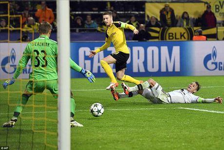 Dortmund 8-4 Legia: Marco Reus, Kagawa va su dien ro - Anh 4
