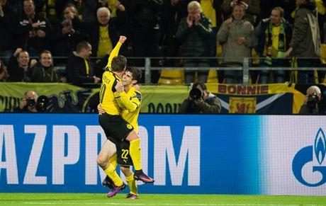 Ghi 8 ban, Reus lap hat-trick, Dortmund 'dan mat' ca troi Au - Anh 5