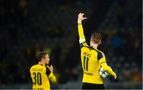 Ghi 8 ban, Reus lap hat-trick, Dortmund 'dan mat' ca troi Au - Anh 8