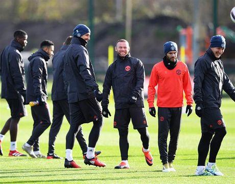'Ga he' Rooney tro thanh tam diem tren san tap cua Man Utd - Anh 3
