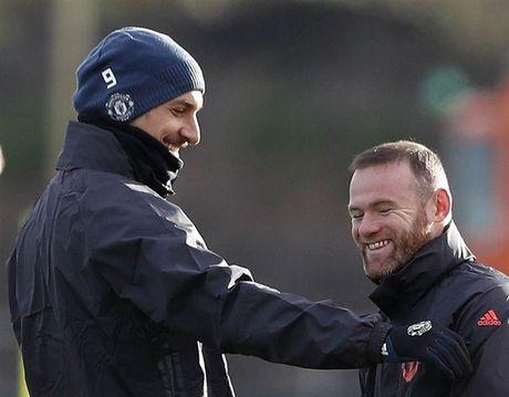 'Ga he' Rooney tro thanh tam diem tren san tap cua Man Utd - Anh 8