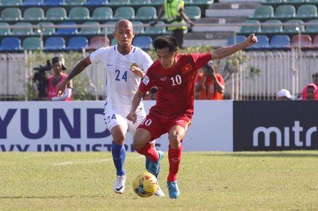 Cham diem DT Viet Nam vs Malaysia: Goi ten Trong Hoang - Anh 4