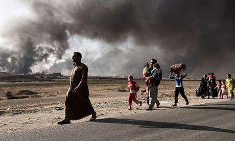 Noi kinh hoang cua dan ti nan chay khoi Mosul - Anh 1