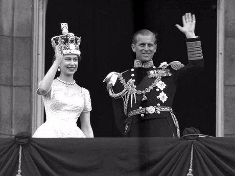 Chuyen tinh 69 nam cua Nu hoang Elizabeth II - Anh 6
