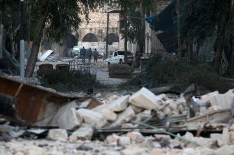 Vu khi sinh hoc bi nghi ngo xuat hien o phia Dong Aleppo - Anh 1