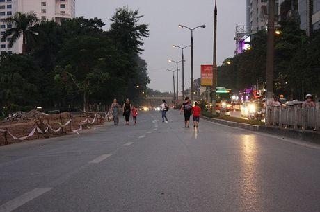 Chuan bi thi cong tuyen Metro, duong Kim Ma hon loan - Anh 2