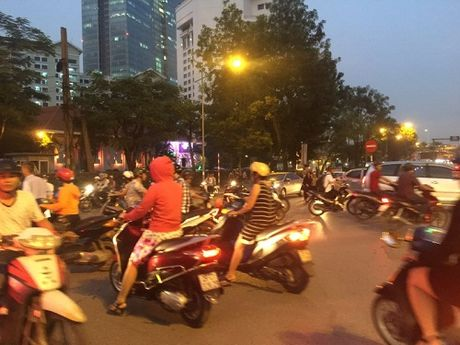 Chuan bi thi cong tuyen Metro, duong Kim Ma hon loan - Anh 5