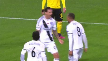 Dortmund tao con mua ban thang lich su o Champions League - Anh 1