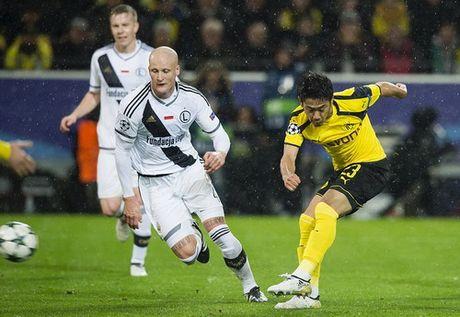 Dortmund tao con mua ban thang lich su o Champions League - Anh 3