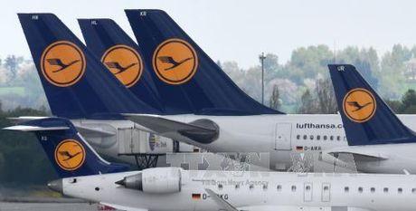 Phi cong dinh cong, Lufthansa phai huy gan 900 chuyen bay - Anh 1