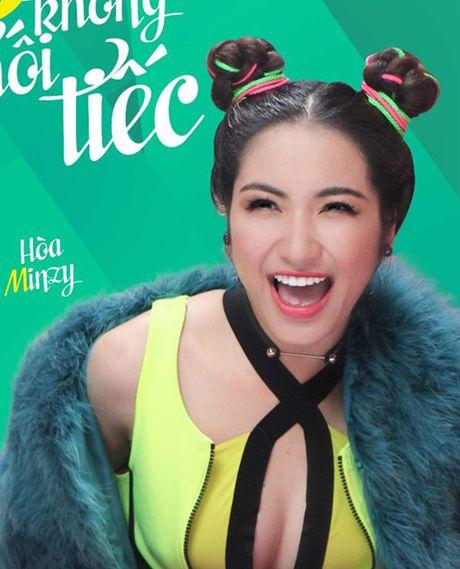 Ao tam cua Ngoc Trinh duoc Hoa Minzy mac ra duong - Anh 1