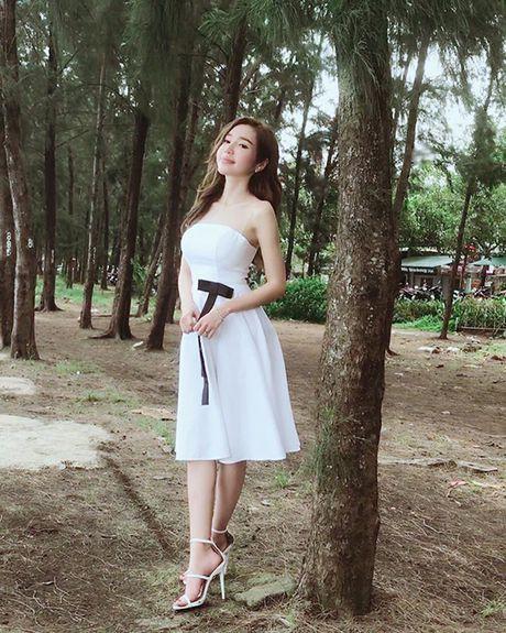 Sao Viet 23/11: Lilly Nguyen bi nghi khong mac ao, Ha Lade khoe bung bau - Anh 4