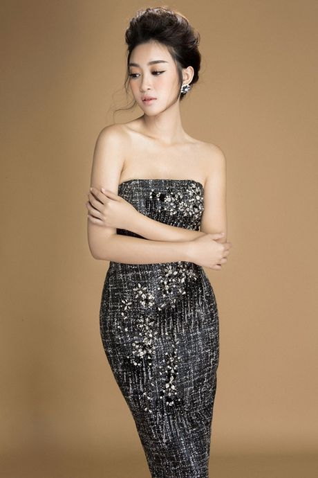 My Linh khoe nguc day voi loat vay dinh kim sa lap lanh - Anh 5