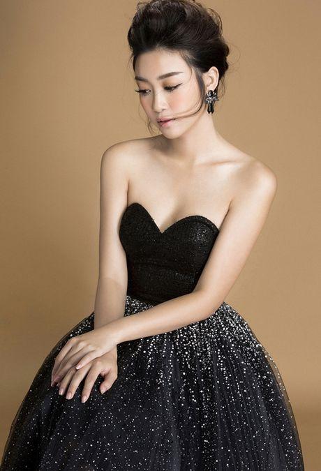 My Linh khoe nguc day voi loat vay dinh kim sa lap lanh - Anh 9
