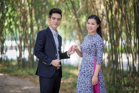 Tran Huu Tuan, Bui Thi Thuy 'gay bao' voi clip gian di hat o benh vien - Anh 2