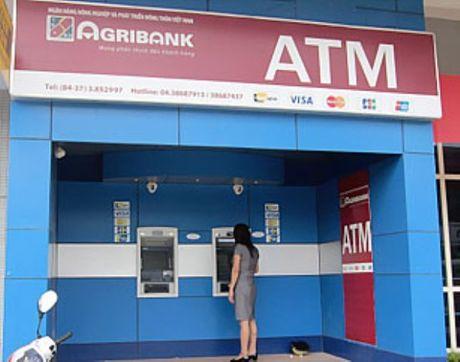Vu mat 100 trieu dong trong tai khoan: Agribank nho Bo Cong an vao cuoc - Anh 1