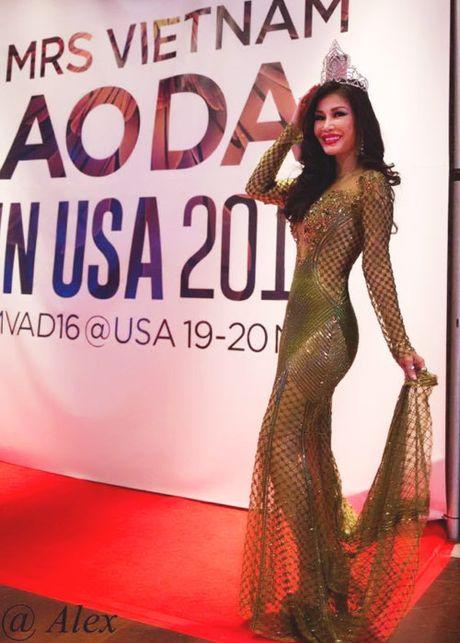 Valencia Tran boi thu giai thuong tai Mrs Vietnam Aodai in USA 2016 - Anh 3