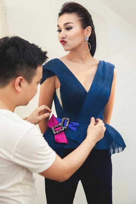 Thanh Hang long lay sau tuyen ngon 'gay bao' - Anh 6