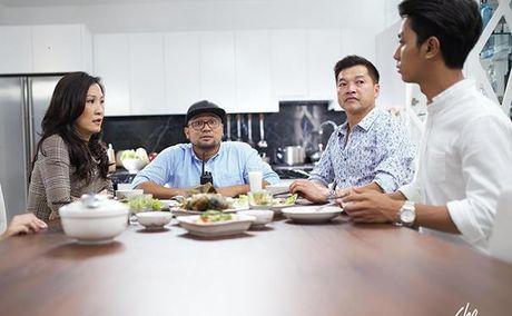Quang Minh - Hong Dao 'ap che' chang re trong ngay dau ra mat - Anh 1