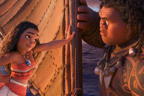 'Sao' Viet no nuc di xem sieu pham phim hoat hinh cua Disney - Anh 8